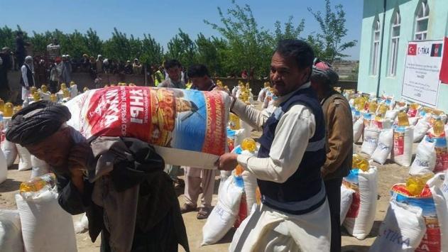 TİKAdan Afganistandaki 500 selzede aileye yardım