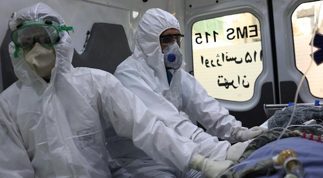 İranda 100den fazla sağlık personeli COVID-19dan hayatını kaybetti
