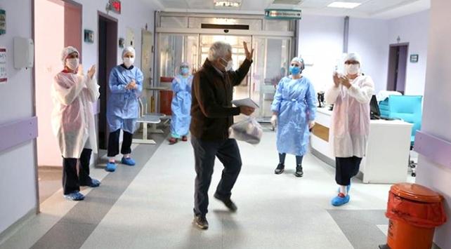 Türkiyede virüsü yenen sayısı vaka sayısını geçti
