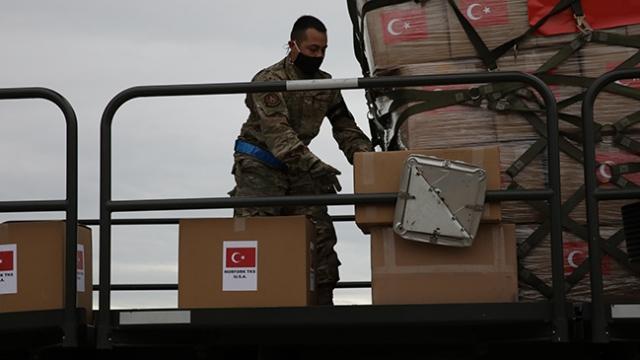 Türkiye'nin tıbbi malzeme yardımı ABD'ye ulaştı