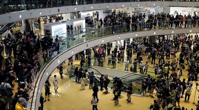 Hong Kongda hükümet karşıtı protesto düzenlendi