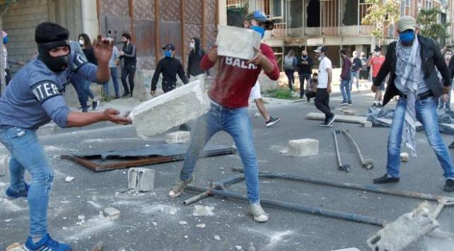 Lübnanda protesto gösterileri yayılmaya devam ediyor