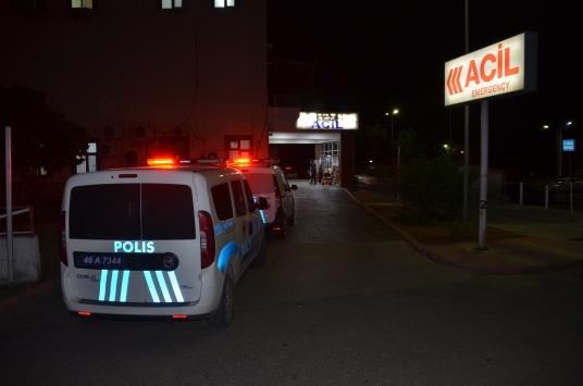 Kahramanmaraşta otomobiline silahlı saldırı düzenlenen kişi cam parçalarıyla yaralandı