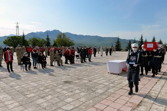 Munzur Çayında akıntıya kapılarak şehit olan Uzman Çavuş Güneş için tören düzenlendi