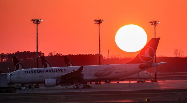 İstanbul Havalimanına düzenlenen 135 seferle 11 bin 689 kişi yurda getirildi