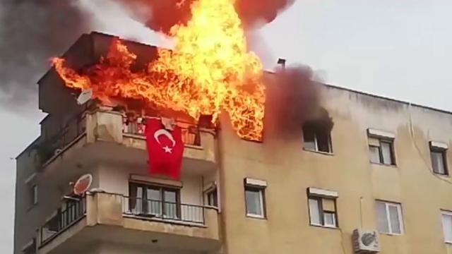 Muğla'da mutfak tüpünün patlama anı kamerada