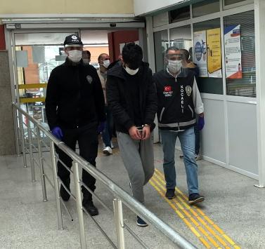 Kocaelide yerel gazetenin ofisini kurşunladıkları iddiasıyla 6 kişi yakalandı