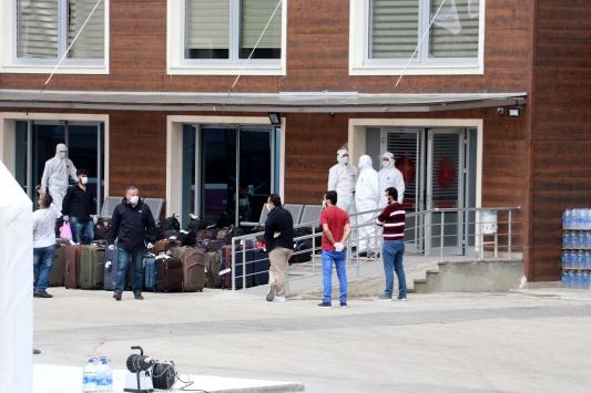 Suudi Arabistandan getirilen 171 Türk vatandaşı Kastamonuda yurda yerleştirildi