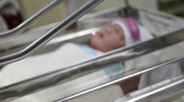 Koronavirüse yakalanan kadın doğumdan 3 gün sonra hayatını kaybetti