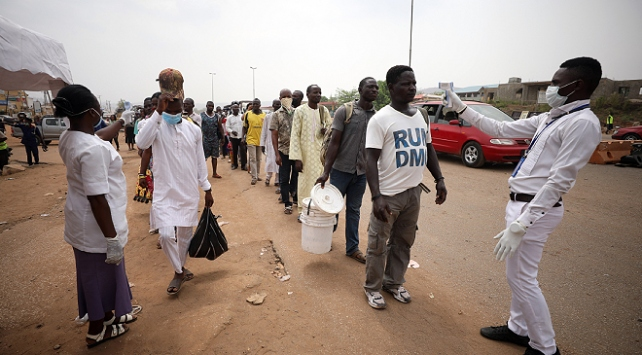 Nijerya'da COVID-19'dan ölenlerin sayısı 100'ü geçti