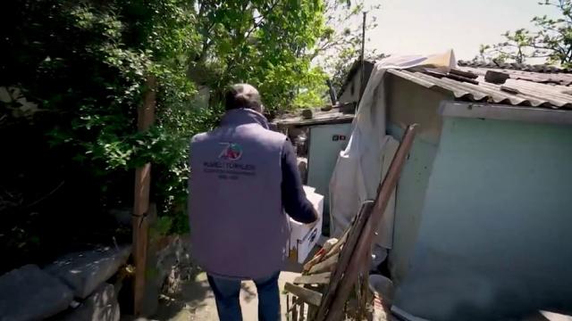Rumeli Türkleri Derneği İstanbul'da 7 bin aileye erzak dağıttı