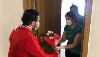Van'da karantinada kalanlara Anneler Günü sürprizi