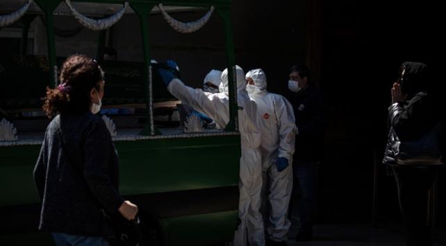 Koronavirüs kurbanlarının cenaze işlemleri dini usullere uygun yapılıyor