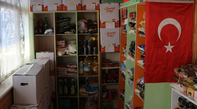 """Ispartada caminin bir bölümü ihtiyaç sahipleri için """"hayır marketi"""" oldu"""