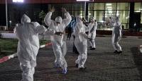 Karantinadaki vatandaşlara moral dansı: Tokat sarması oynadılar
