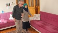 107 yaşındaki kayınvalidesine bakıyor