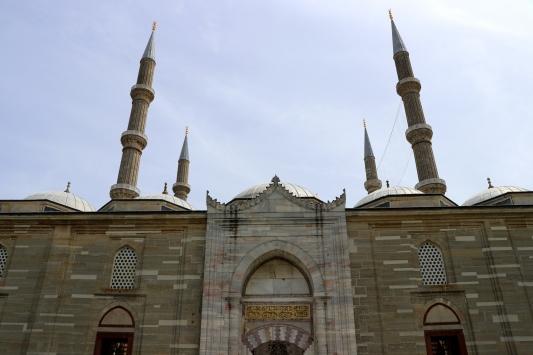 Selimiye Camisindeki Kadir Gecesi programı sosyal medyadan canlı yayınlanacak