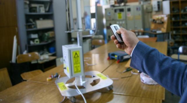 İzmirde lise öğretmenleri dezenfeksiyon cihazı geliştirdi