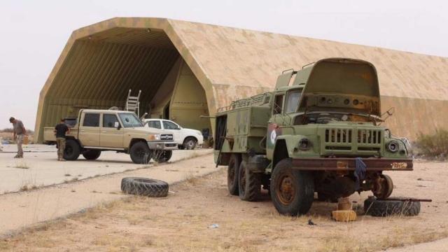 Libya'da kurtarılan Vatiyye Askeri Üssü TRT ekibi tarafından görüntülendi