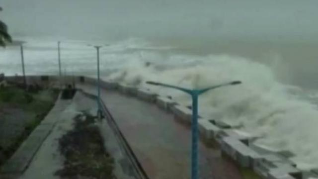 Amphan Kasırgası, Hindistan ve Bangladeş kıyılarını vurdu