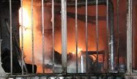 Bolu'da yangın: Dükkan ve ev kullanılamaz hale geldi