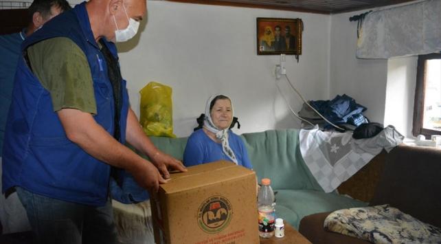 Vakıflardan Bosna Hersej ve KKTCye 10 tır ramazan yardımı