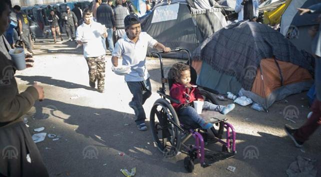ABD salgına rağmen göçmen çocukları sınır dışı etti