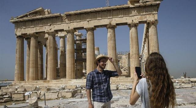 Yunanistan turistlere Covid-19 testi yapmayacak