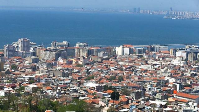İzmir'deki cami hoparlöründen müzik yayınına ilişkin gözaltı