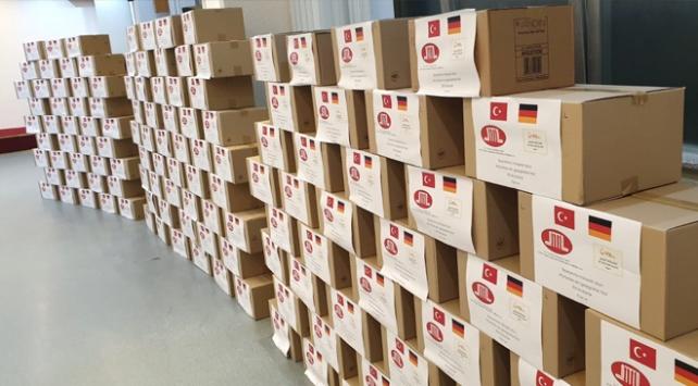 YTBden Almanyadaki sığınmacılara bayram hediyesi
