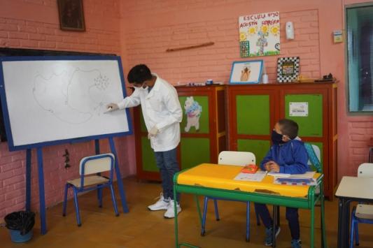 Uruguayda okullar Haziranda açılıyor