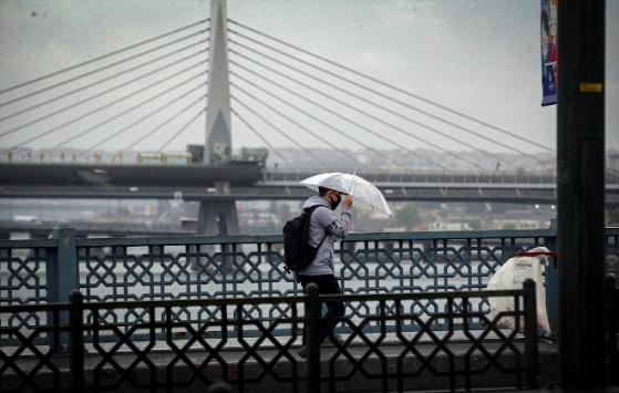 İstanbulda rüzgar ve yağmur etkili oluyor