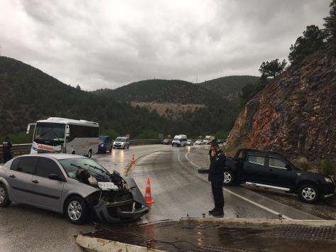 Bilecikte zincirleme trafik kazası: 5 yaralı