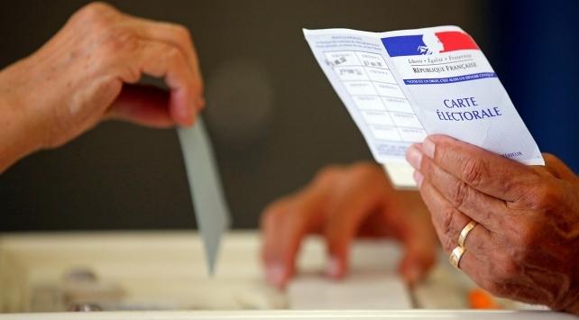 Fransada ertelenen yerel seçimlerin ikinci turu 28 Haziranda yapılacak