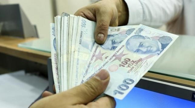 5,5 milyona yakın aileye bin lira yardım sağlandı