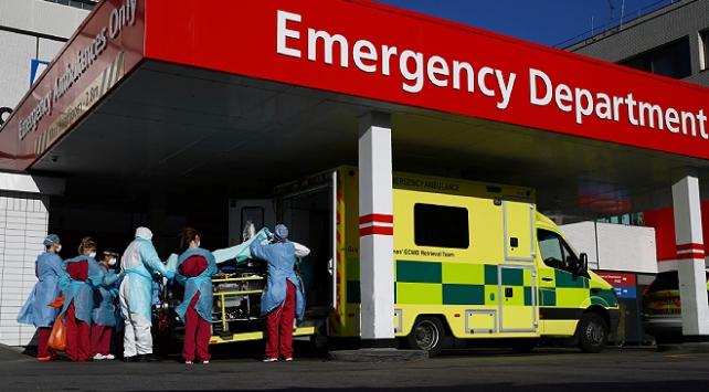 İngilterede 351 kişi daha hayatını kaybetti