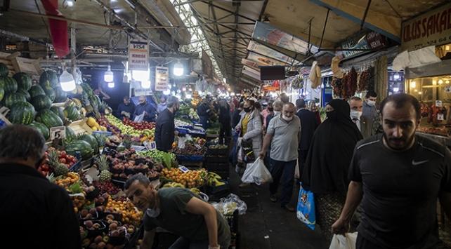 Ankarada, bayram öncesi alışveriş yoğunluğu yaşandı