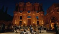 """""""Evde Bayram Konserleri""""nin dördüncüsü Efes Antik Kenti'nde gerçekleşti"""