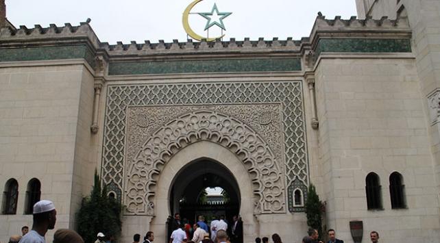 Fransada bayram namazı camilerde kılınabilecek