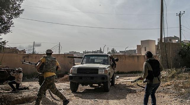 Libya ordusu Hamza ve Yermük askeri kamplarını Hafterden geri aldı