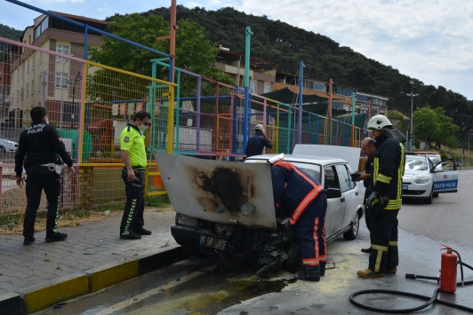 Somada seyir halindeki otomobilde yangın