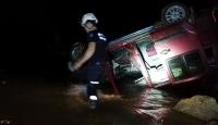 Alanya'da hafif ticari araç köprüden çaya uçtu: 1 ölü