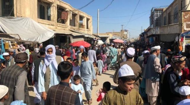 Afgan halkı ateşkesin gölgesinde bayram coşkusu yaşıyor