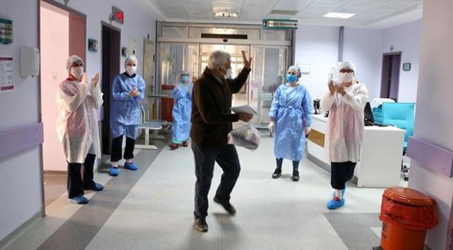 Türkiyede virüsü yenen hasta sayısı 120 bini geçti
