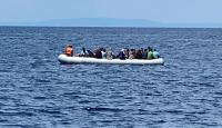 Türk kara sularına itilen 72 sığınmacı kurtarıldı
