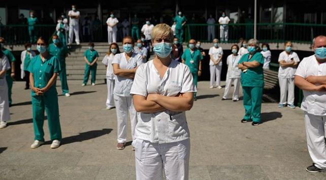 İspanyada sağlık çalışanlarından protesto