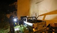Sivas'ta park halindeki kamyonet yandı