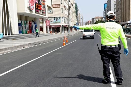 Manisada kısıtlamayı ihlal eden 477 kişiye para cezası