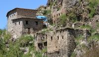 Çukurca'da 400 yıllık taş evler turizme kazandırılıyor