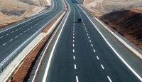 Bayramda uzun araç kuyruklarının oluştuğu kara yolları boş kaldı
